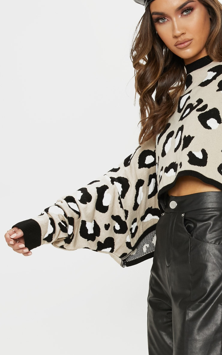 Stone Leopard Knitted Cropped Sweater 5