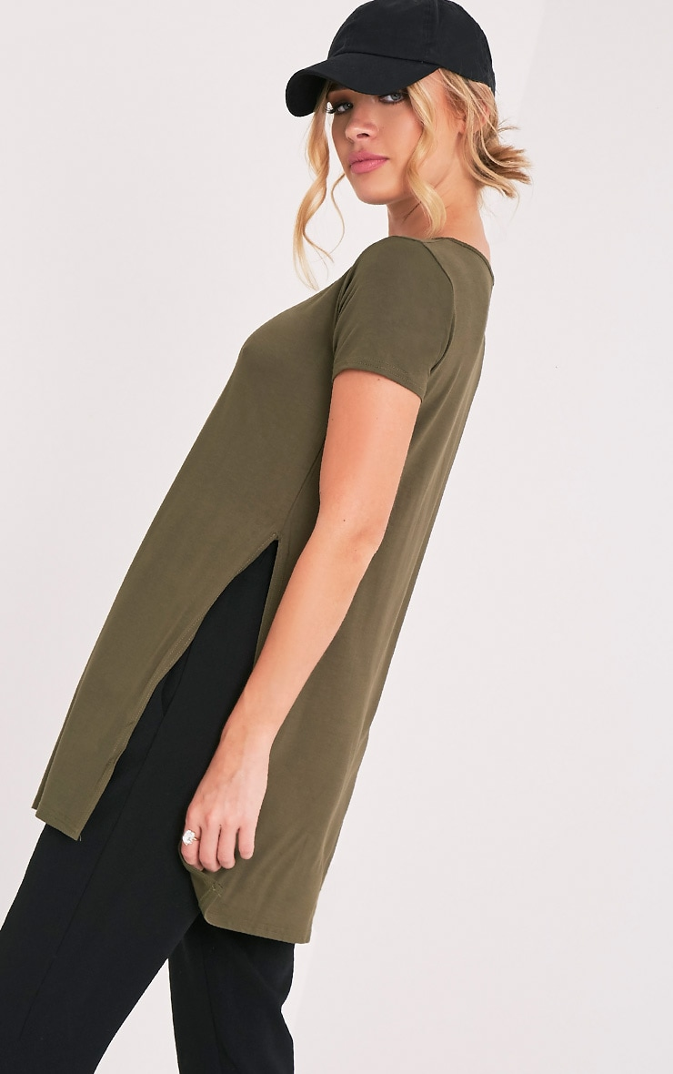 Tee-shirt basique fendu sur le côté kaki 1