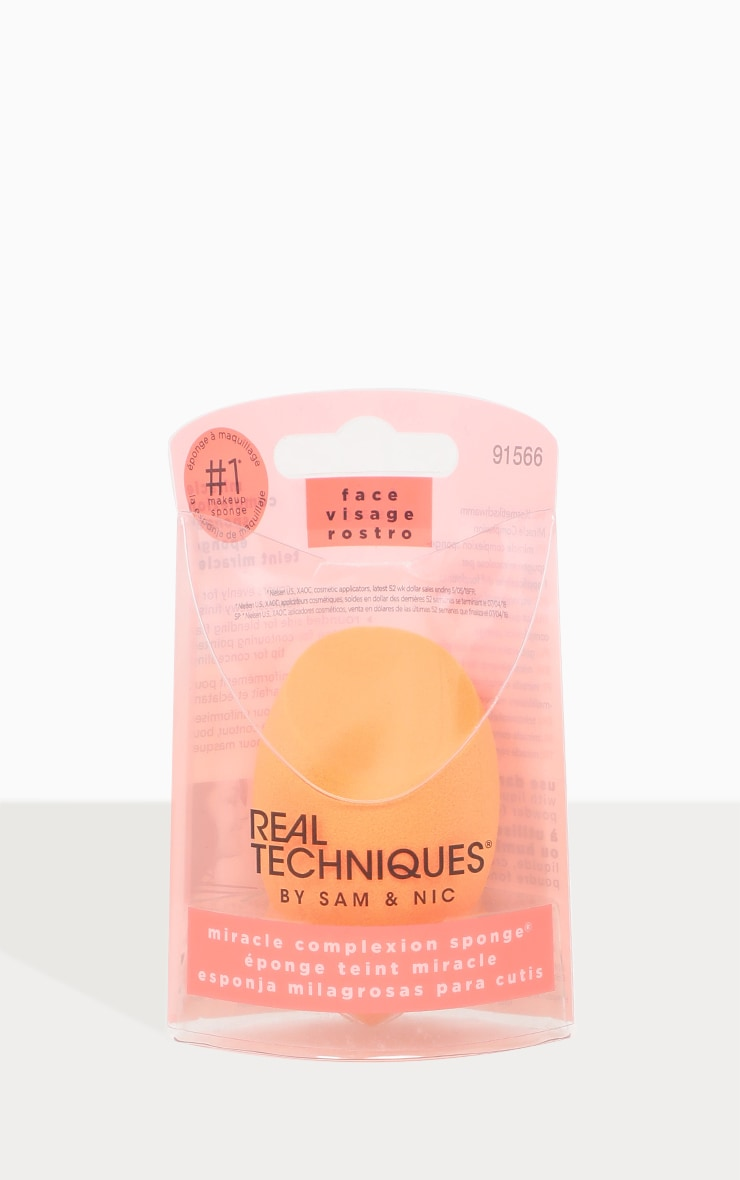 Real Techniques Miracle Sponge 1