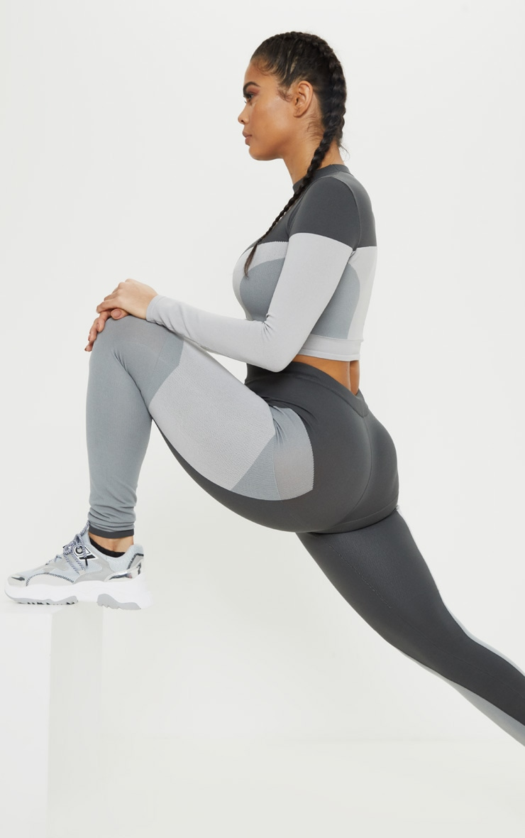 Grey Seamless Knit Panelled Gym Legging 1