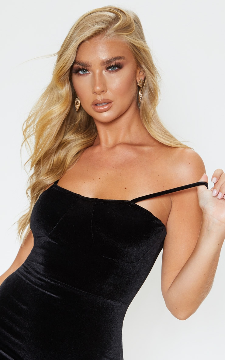 Black Velvet Strappy Cup Detail Bodycon Dress 5