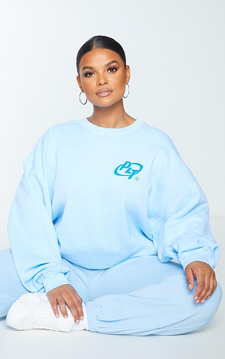 PRETTYLITTLETHING Plus Blue Slogan Washed Sweatshirt 3