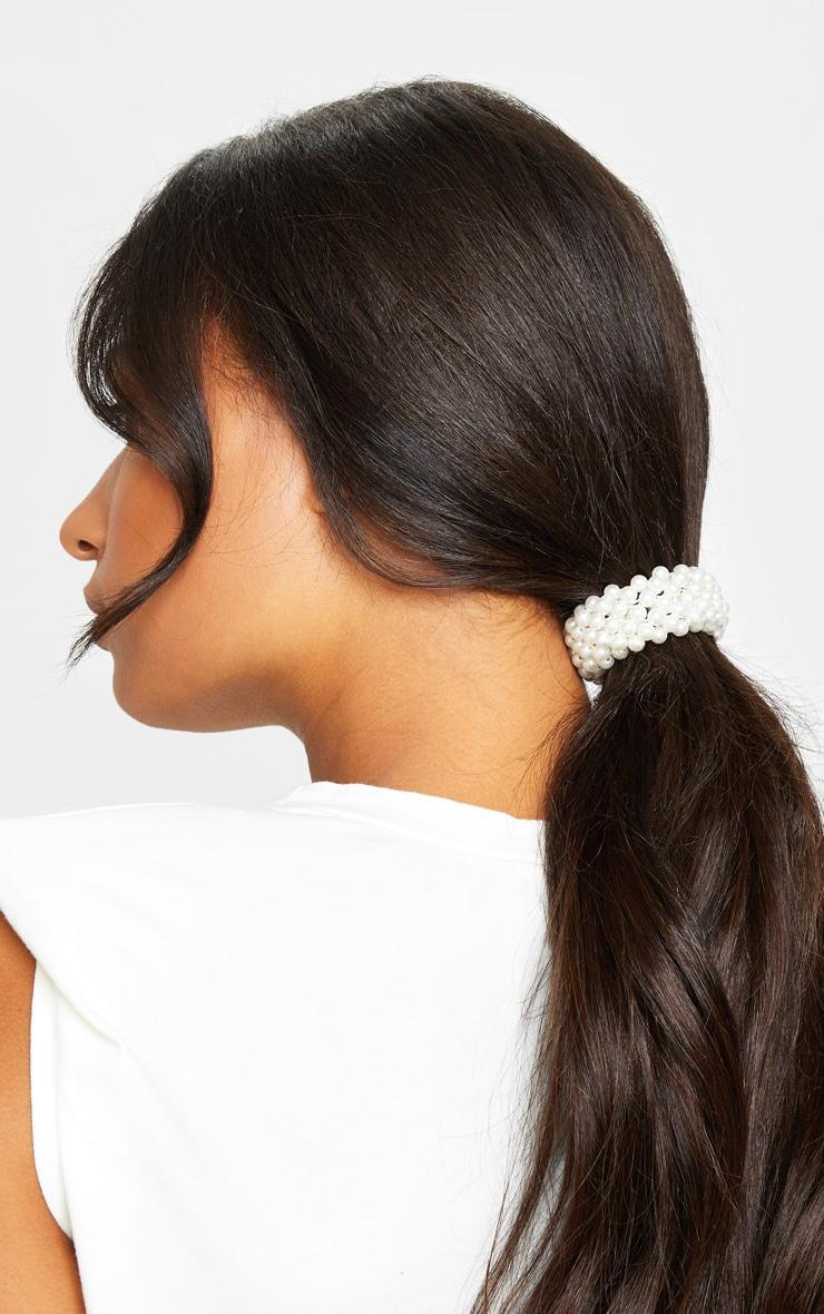 White Small Pearl Bobble 1