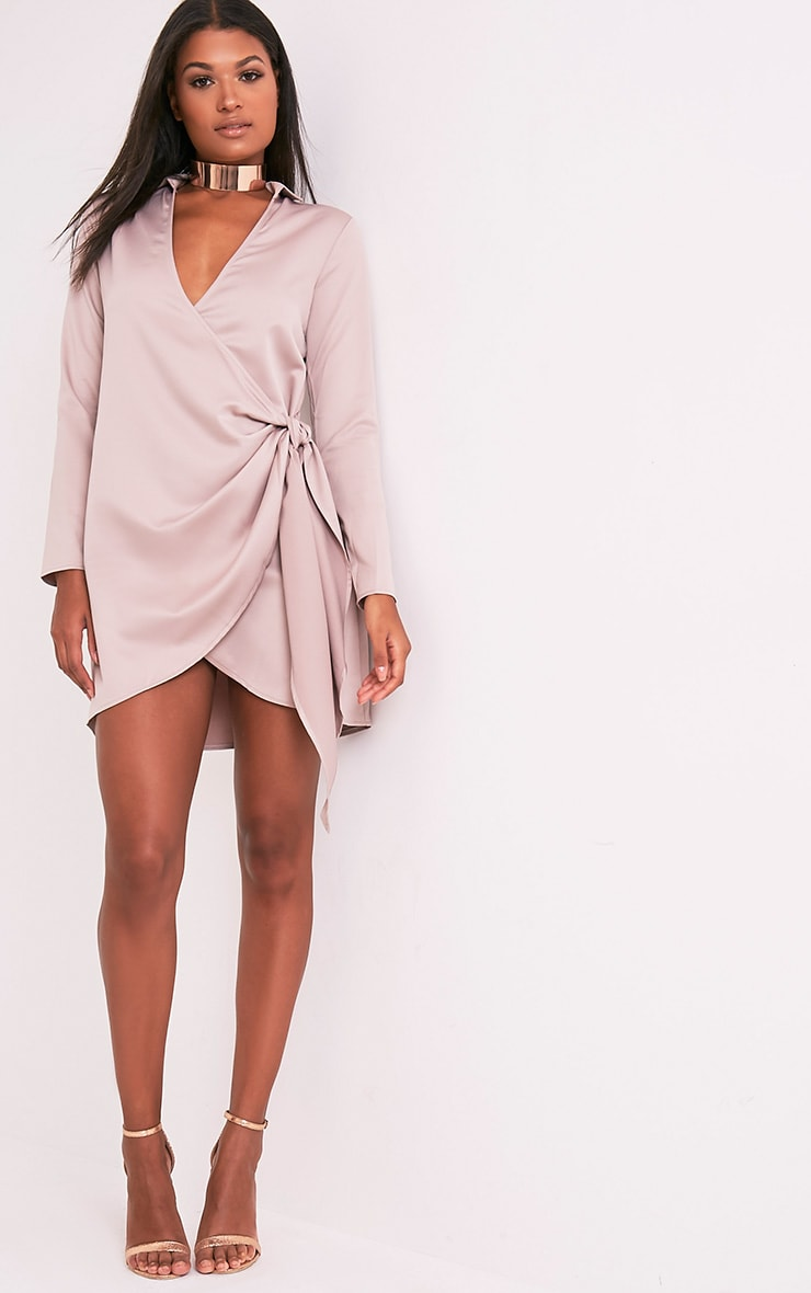 Shaylene robe chemise rose pâle en satin à cordon à nouer à la taille 5