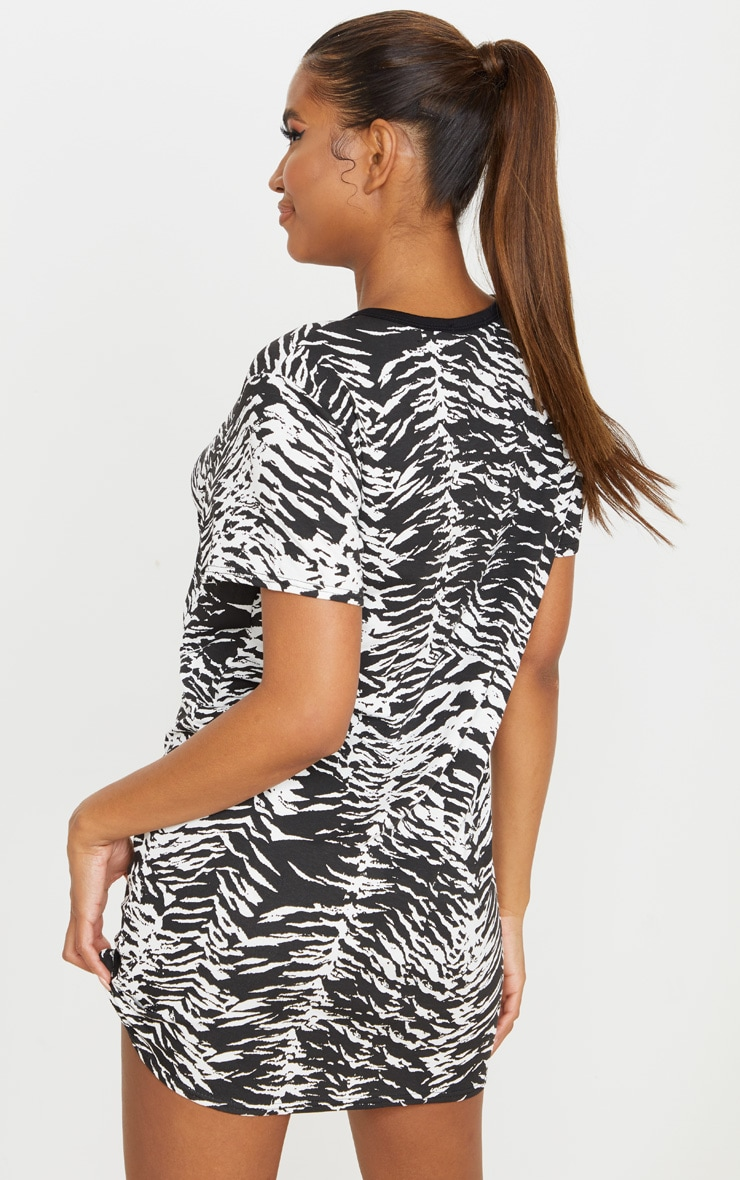 Black Zebra Print T Shirt Dress 2
