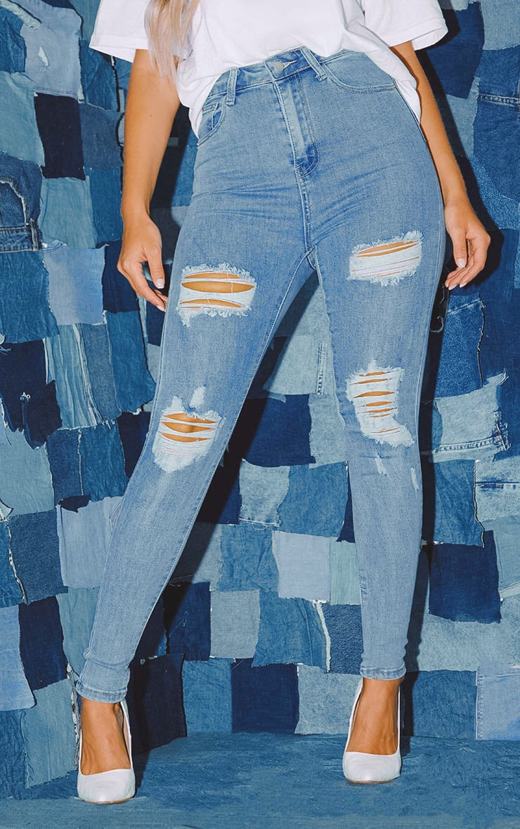 PRETTYLITTLETHING Light Wash Distressed 5 Pocket Skinny Jean  2