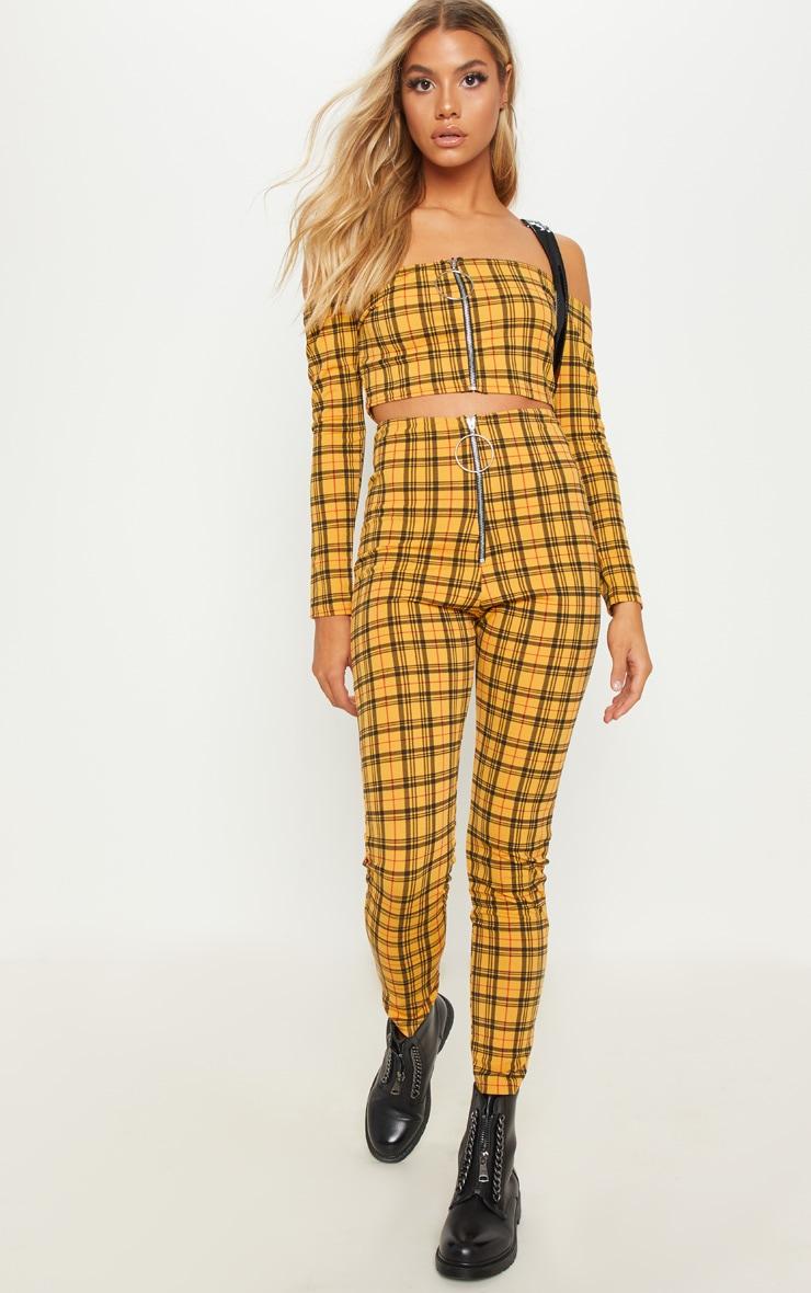Pantalon jaune à carreaux et zip. Pantalons   PrettyLittleThing FR 6cf585f30c3