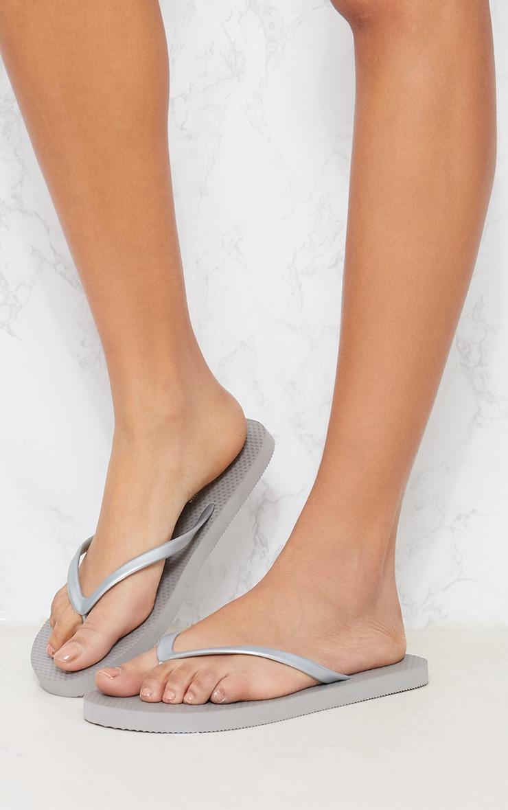 Silver Flip Flop 2