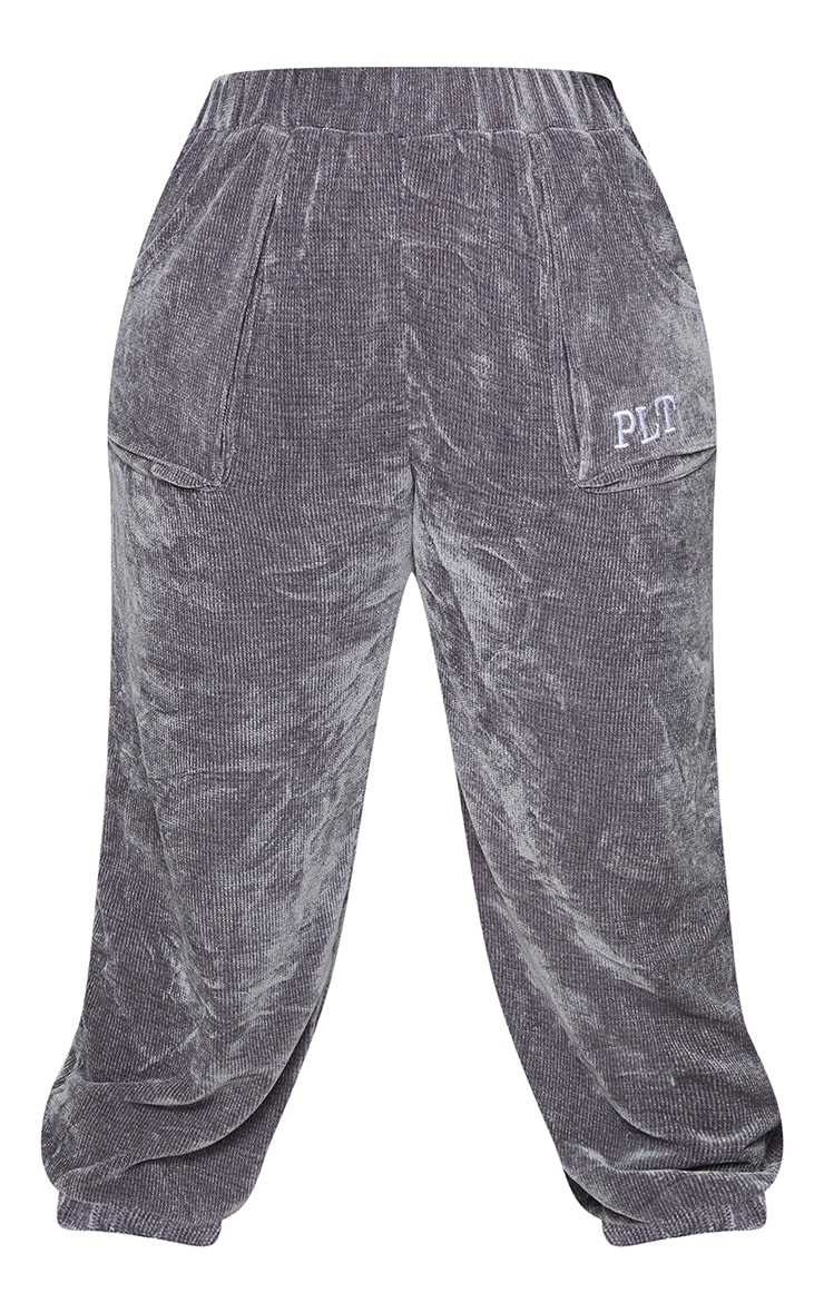 PRETTYLITTLETHING Plus Charcoal Rib Velour Joggers 5