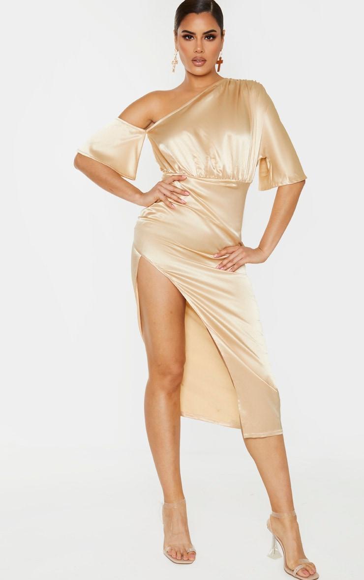 Tall - Robe mi-longue champagne satinée à manche unique et jupe froncée 1