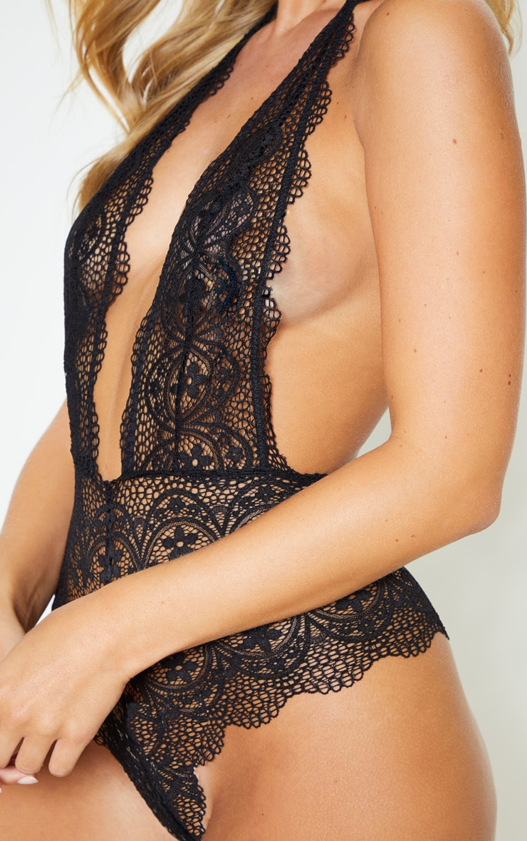 Black Plunge Delicate Daisy Lace Body 6