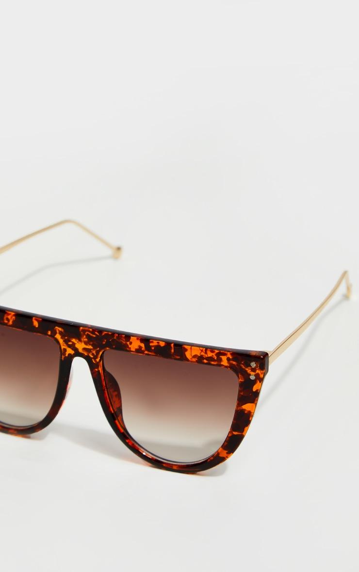 Brown Tortoise Flat Bar Round Edge Sunglasses 3