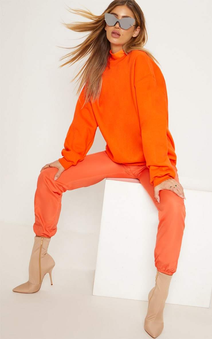 Sweat oversize orange classique 3