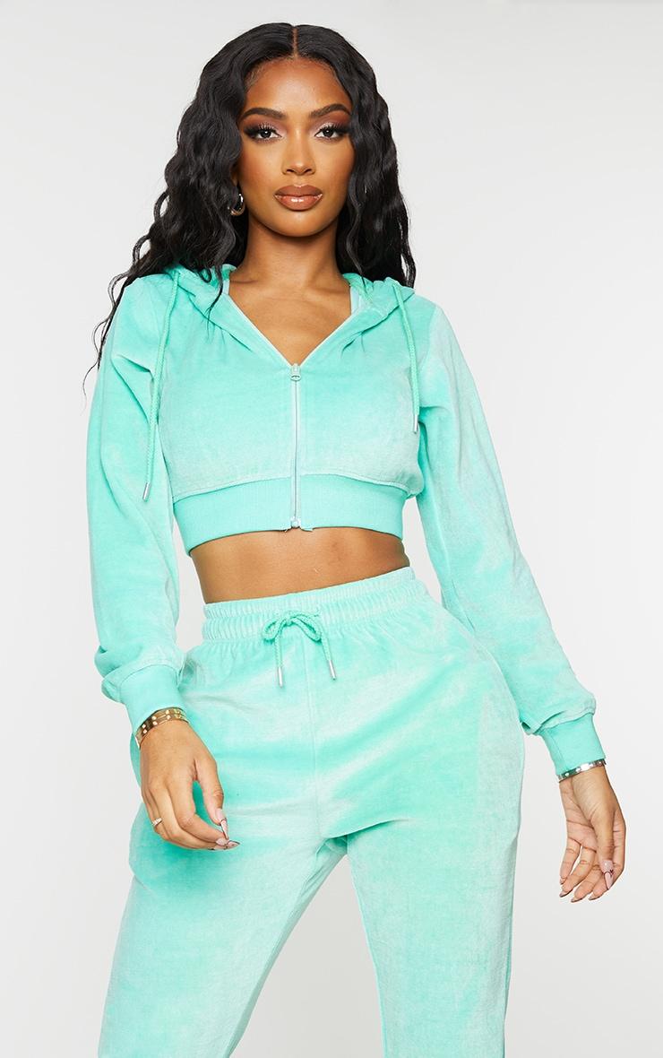 PRETTYLITTLETHING Shape Mint Velour Extreme Crop Sweatshirt 2