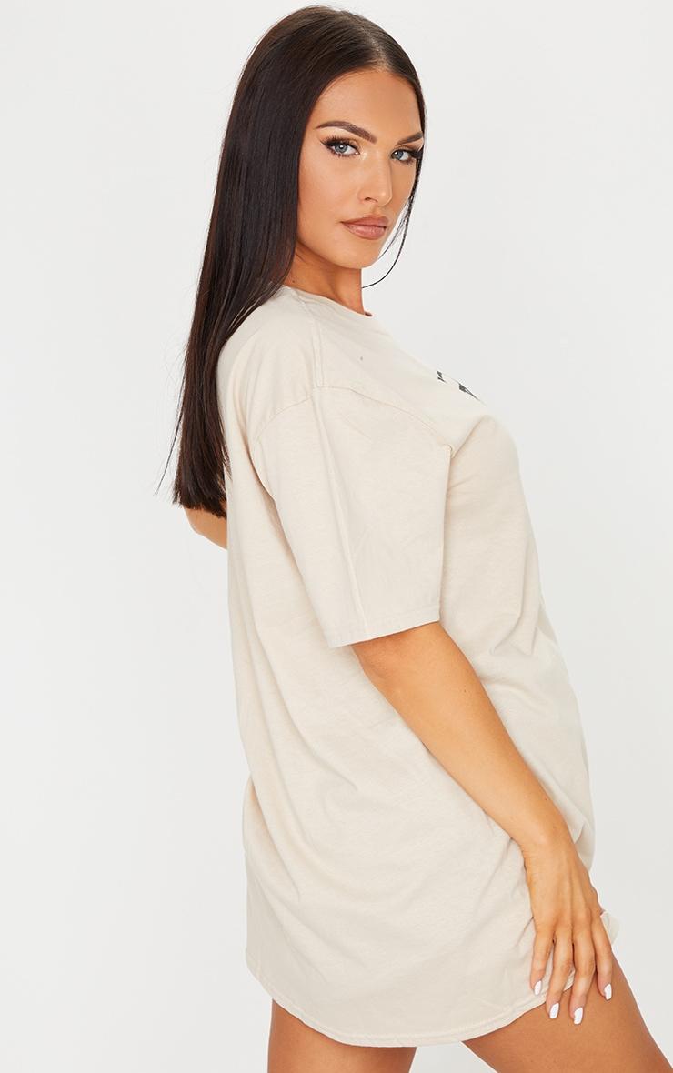 PRETTYLITTLETHING Stone Logo Print T Shirt 2