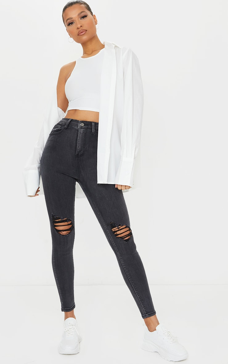 PRETTYLITTLETHING Washed Black Knee Rip 5 Pocket Skinny Jean 1