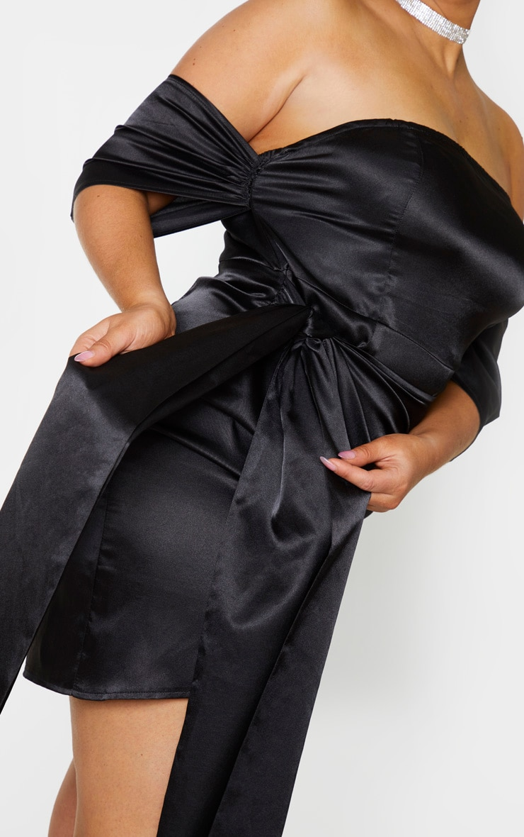 Plus Black Satin Ruched Detail Bodycon Dress 4