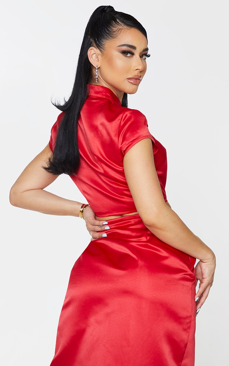 Shape Red Structured Satin Key Hole Crop Top 2