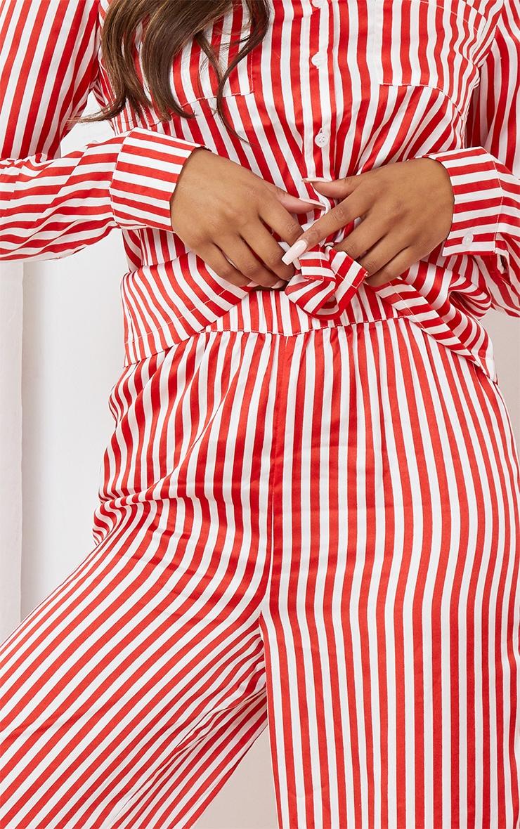 Ensemble de pyjama évasé à rayures rouges et blanches 4