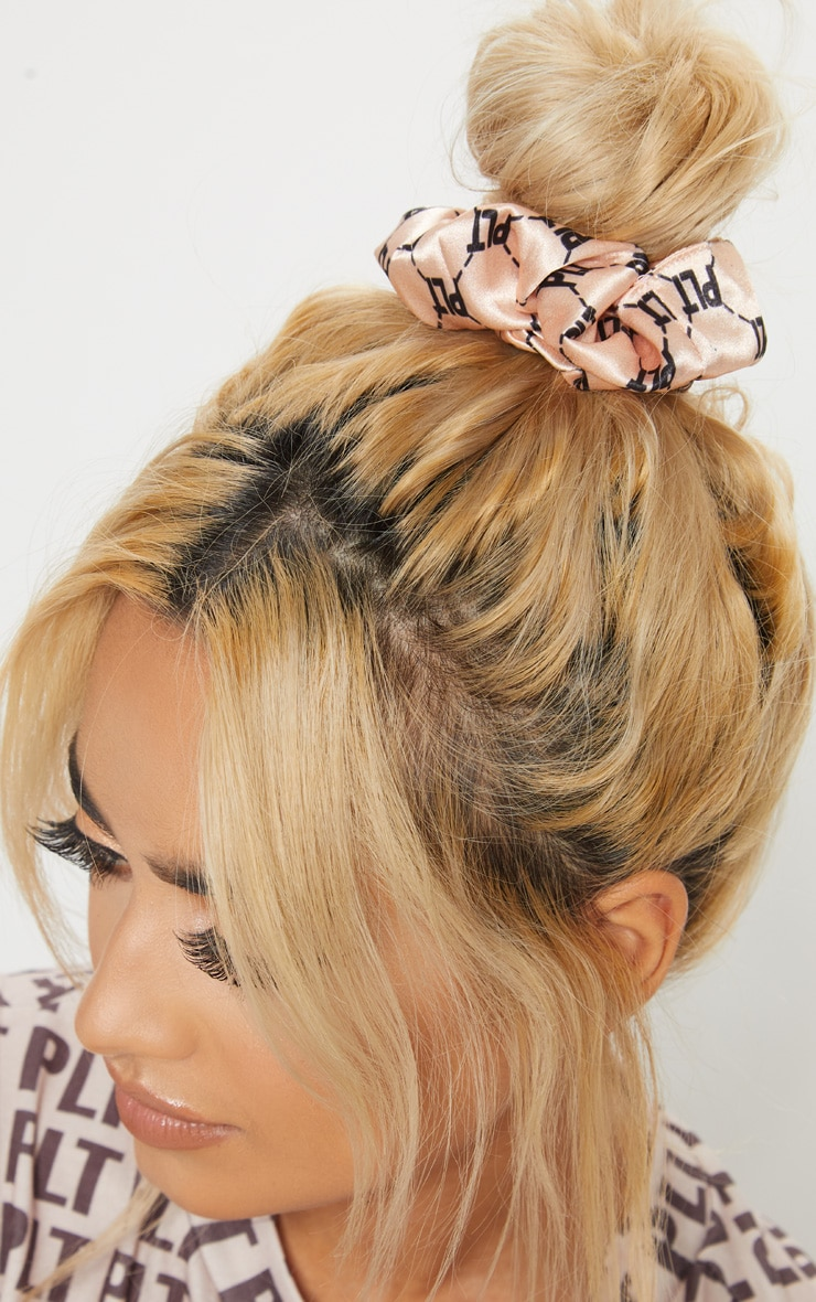 PRETTYLITTLETHING Nude Slogan Hair Scrunchie 3