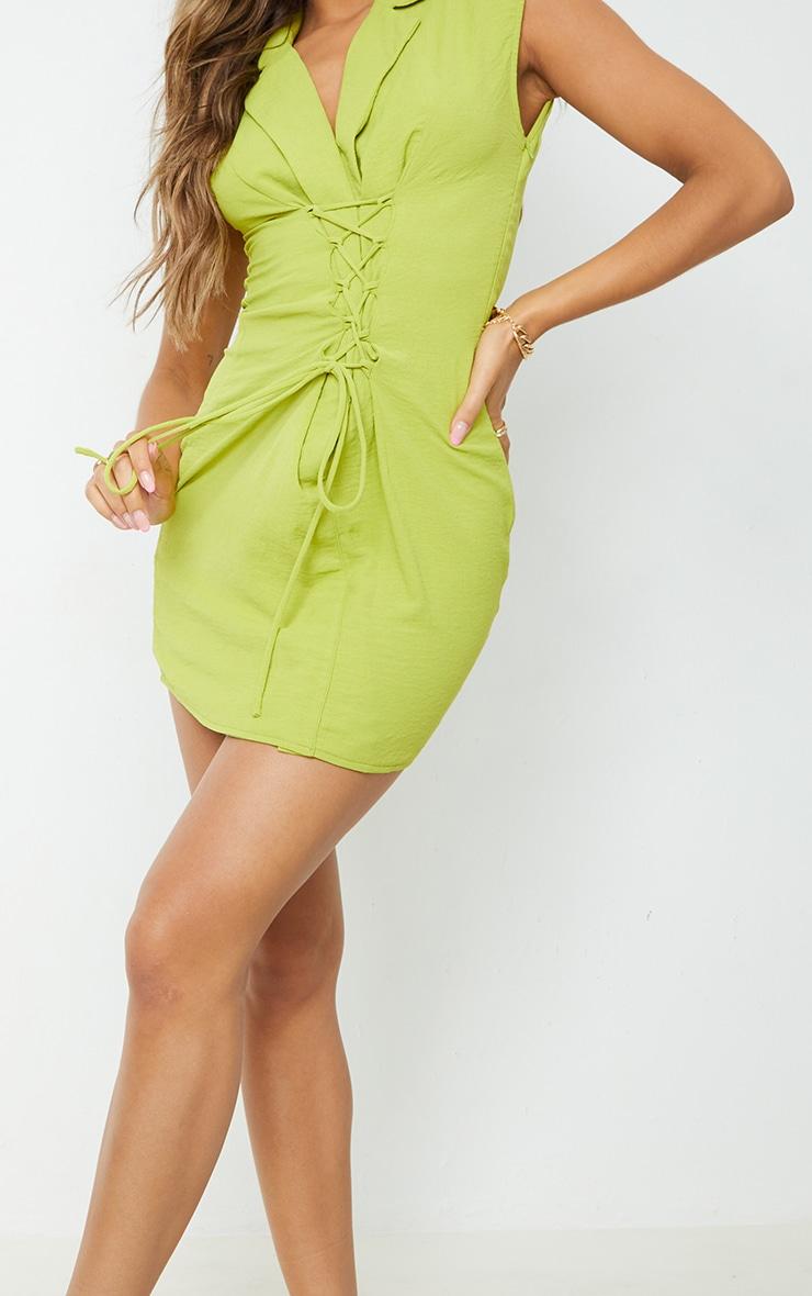 Robe moulante vert citron effet lin à épaulettes et lacets détail sans manches 4
