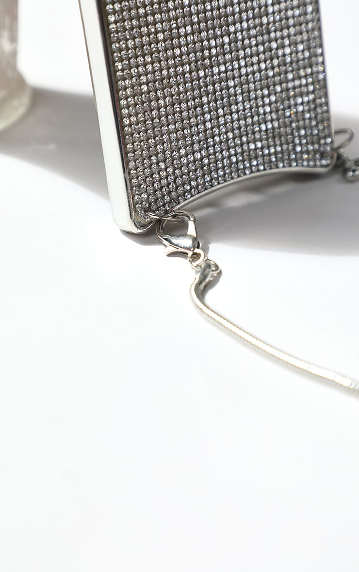 Diamante Iphone 11 Case With Silver Chain 3