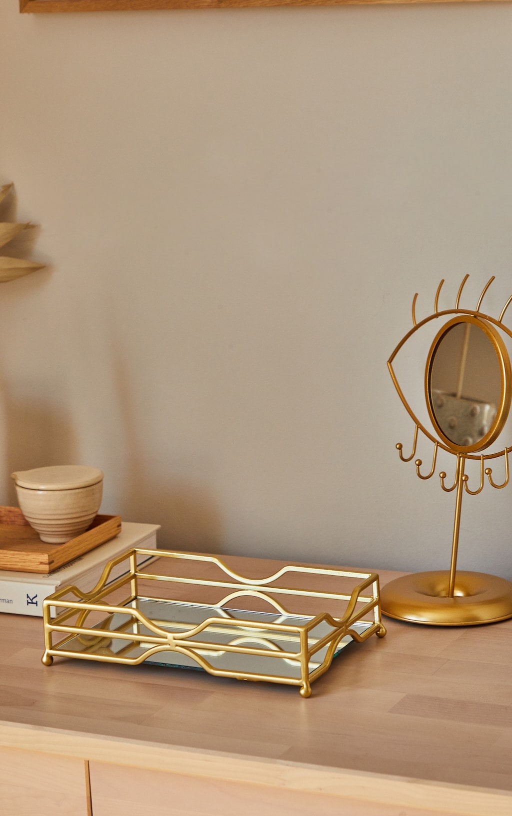 Gold Metal Tray With Mirror Base 1