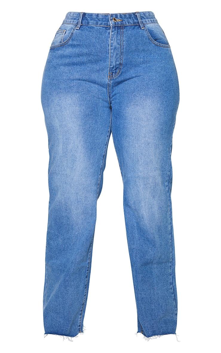 PRETTYLITTLETHING Plus Mid Blue Wash Long Leg Straight Jean 5