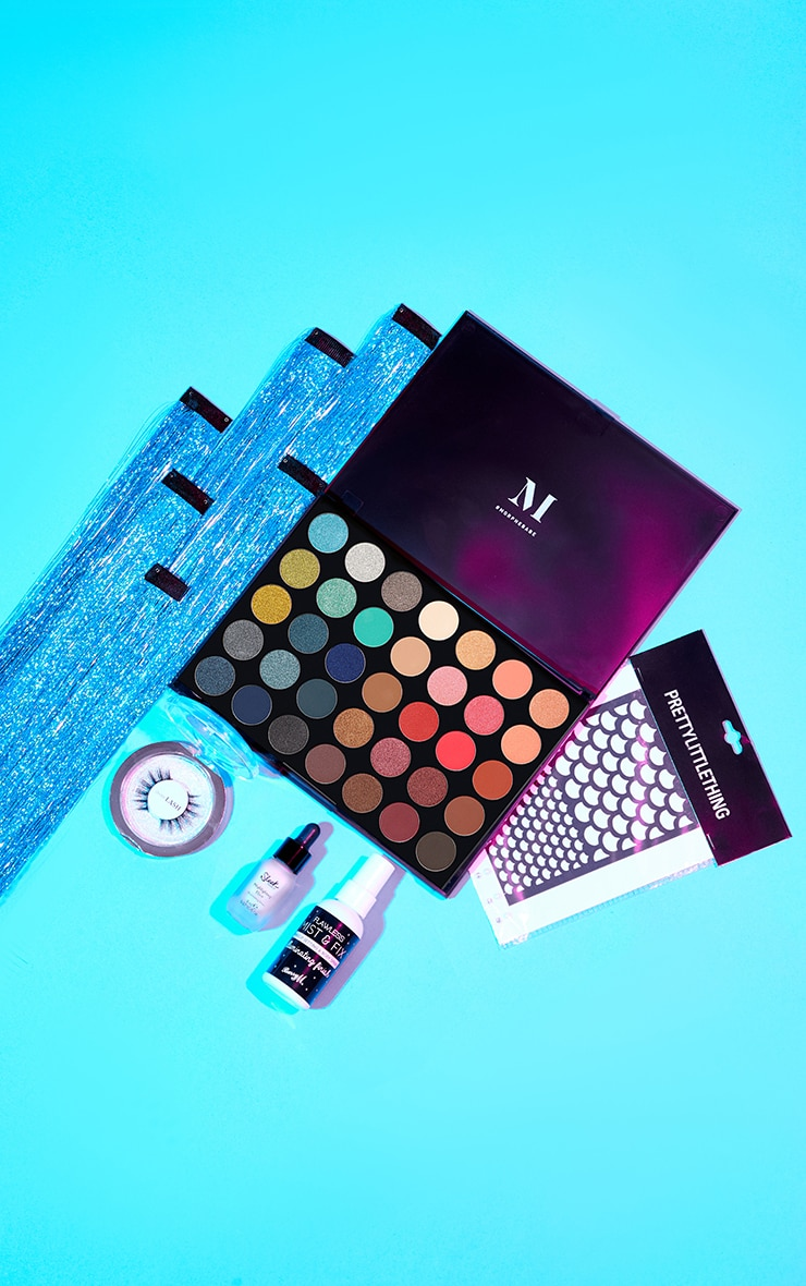 PRETTYLITTLETHING Limited Edition Halloween Box Mermaid (Worth £58.00) 1