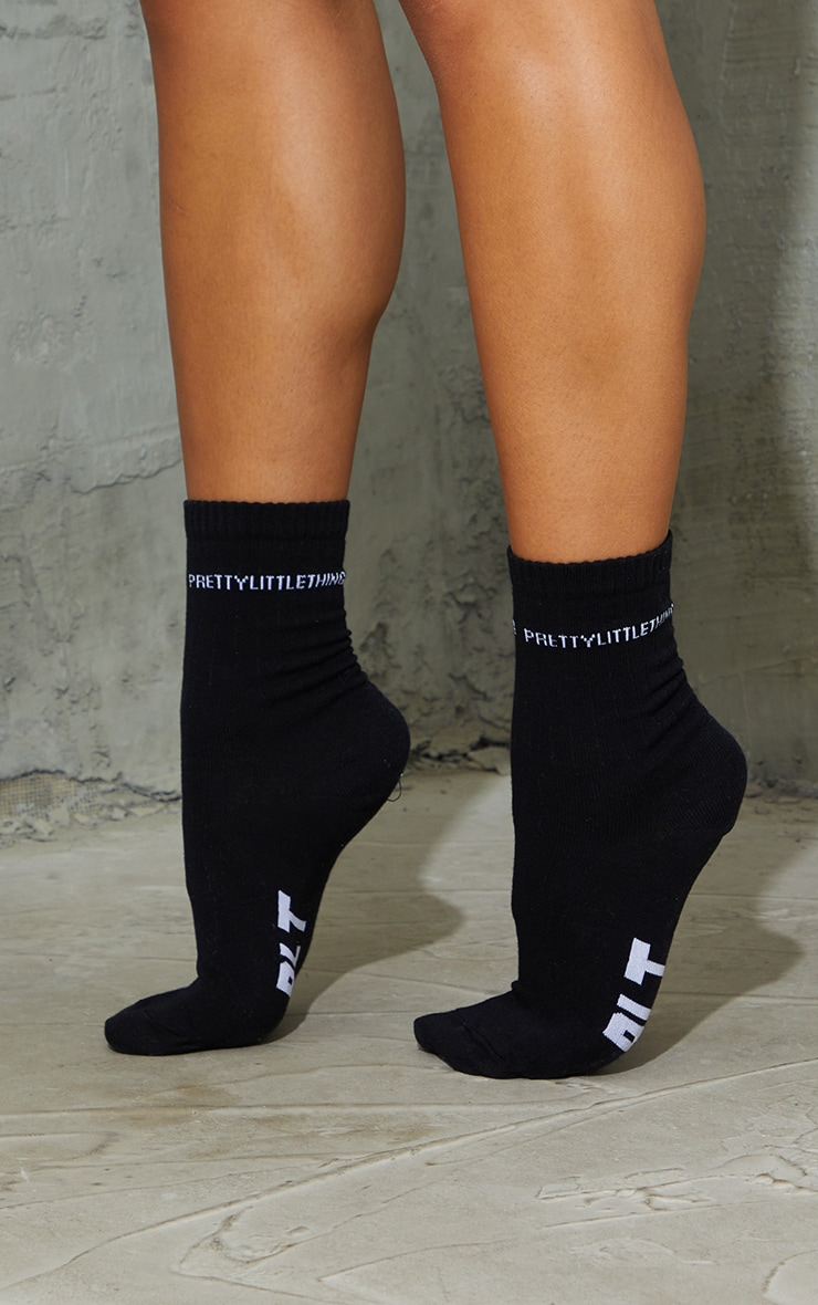 PRETTYLITTLETHING Sole Black Socks 1
