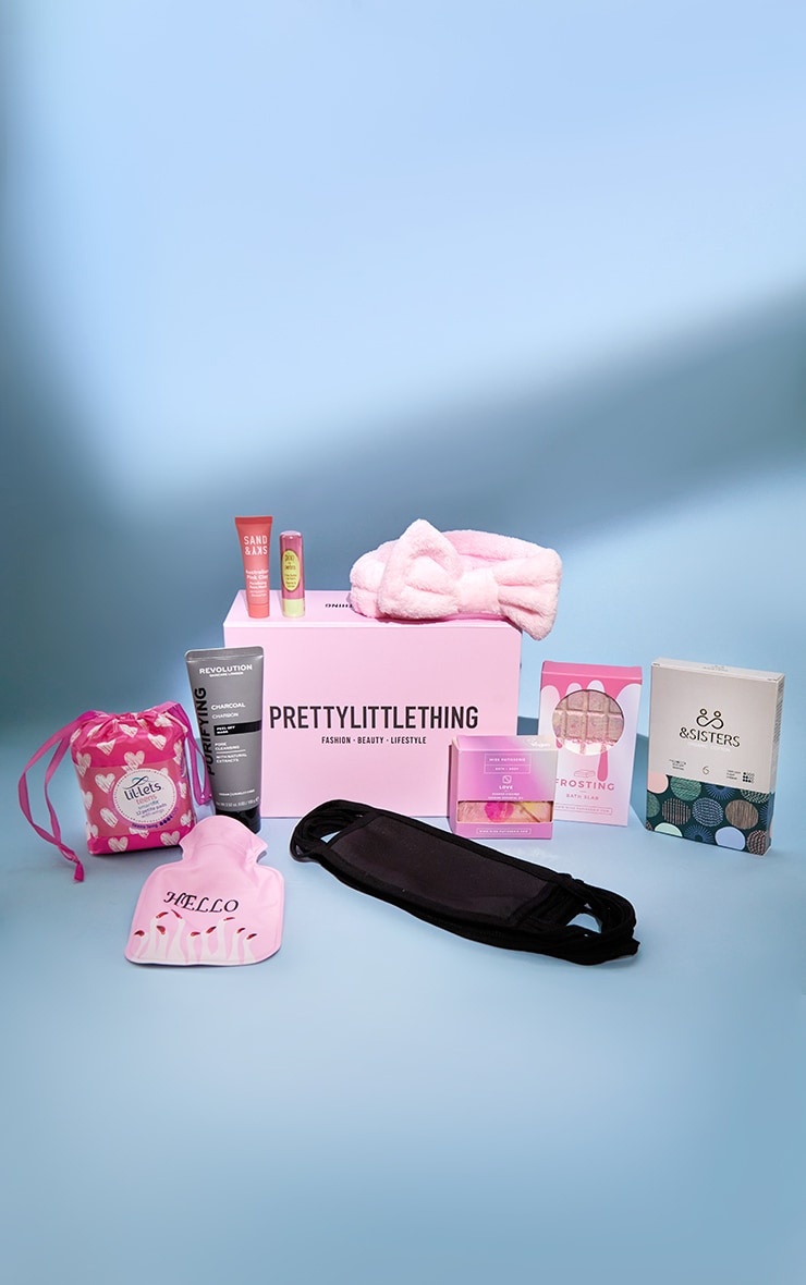 PRETTYLITTLETHING Love Your Period Beauty Box (WORTH £75.50) 2