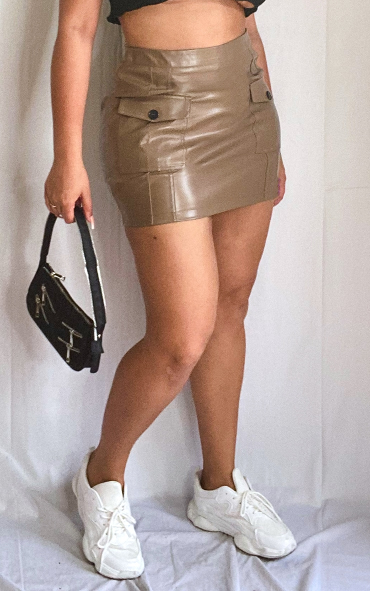 Plus Olive Green Faux Leather Cargo Pocket Front Mini Skirt 2