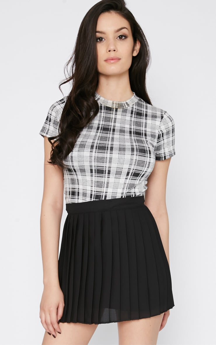 Sinopa Black Pleated Mini Skirt 1
