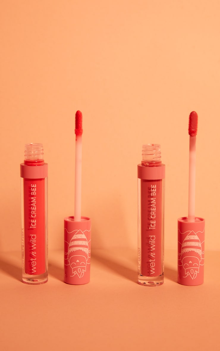 Wet N Wild Color Icon Lip Gloss Saucy Strawberry 4
