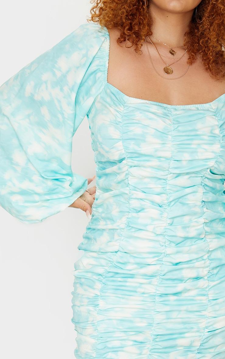 PLT Plus - Robe moulante froncée bleu sarcelle à imprimé tie & dye 4