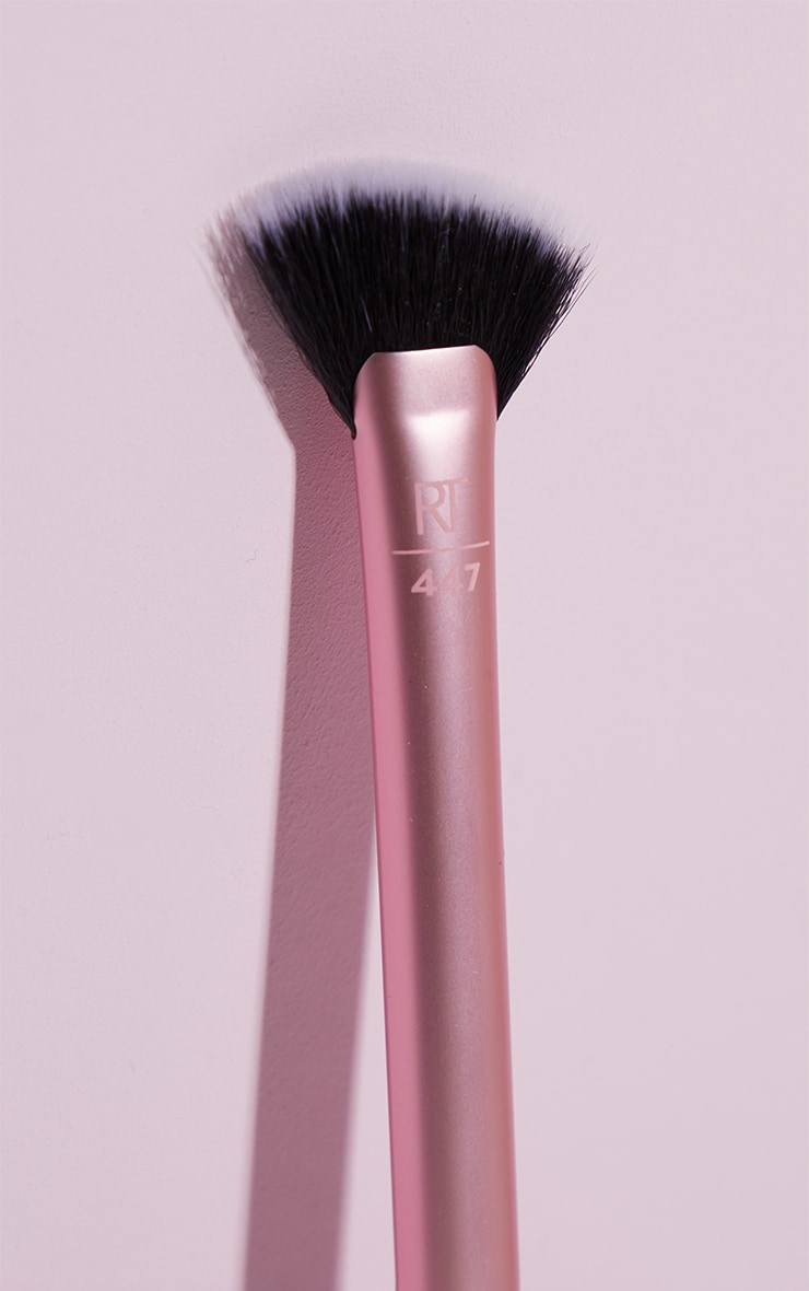 Real Techniques Sheer Radiance Fan 3