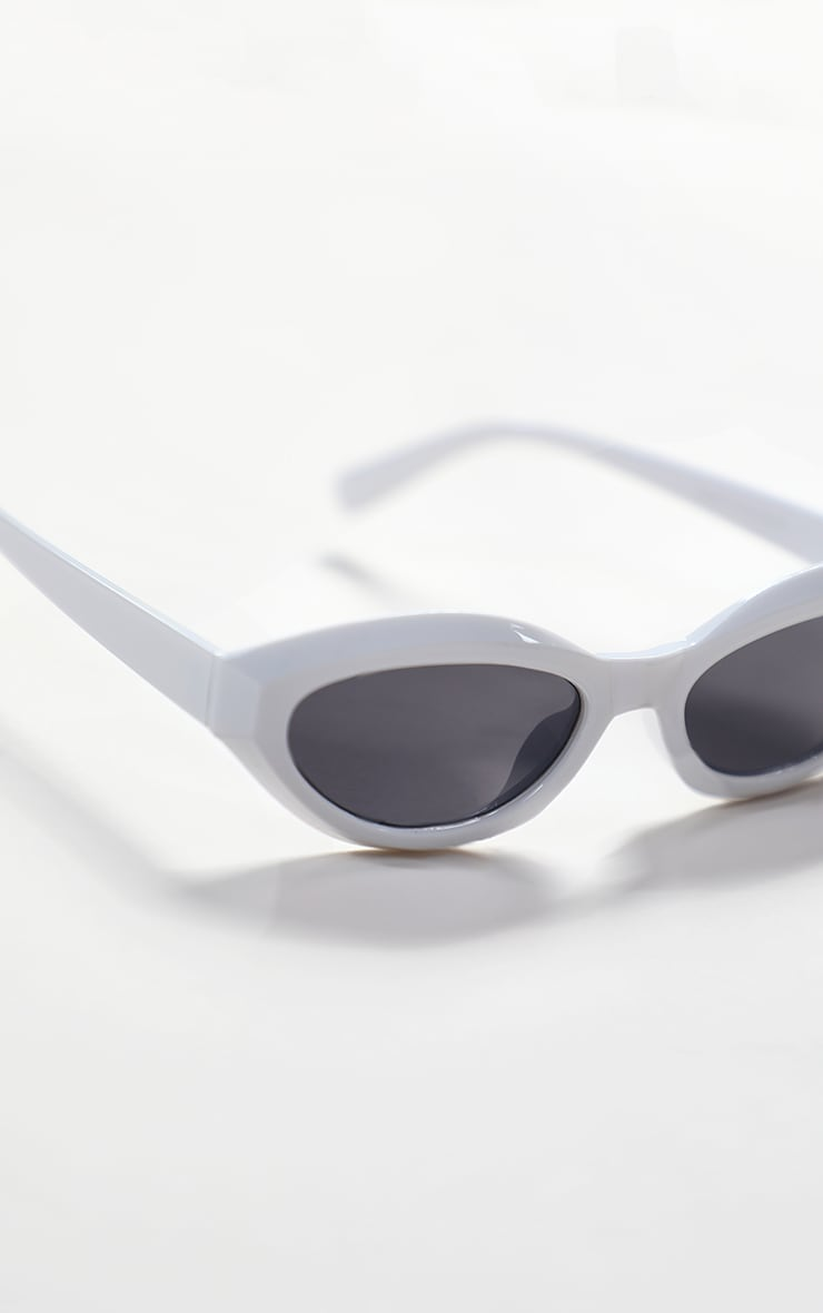 White Round Frame Sunglasses 4