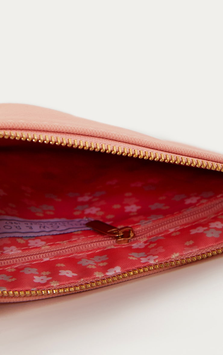 Pretty Things Coral Beauty Bag 4