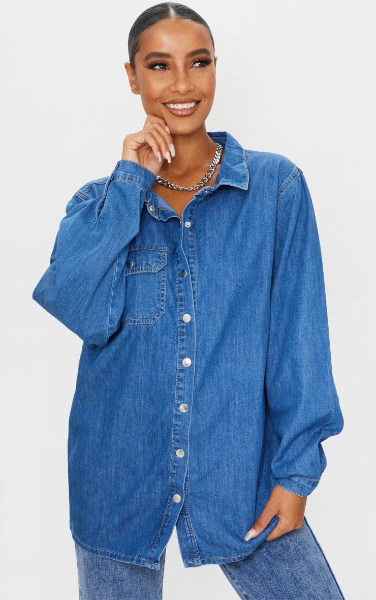 Chemise en jean moyennement délavé à boutons pression, Délavage bleu moyen