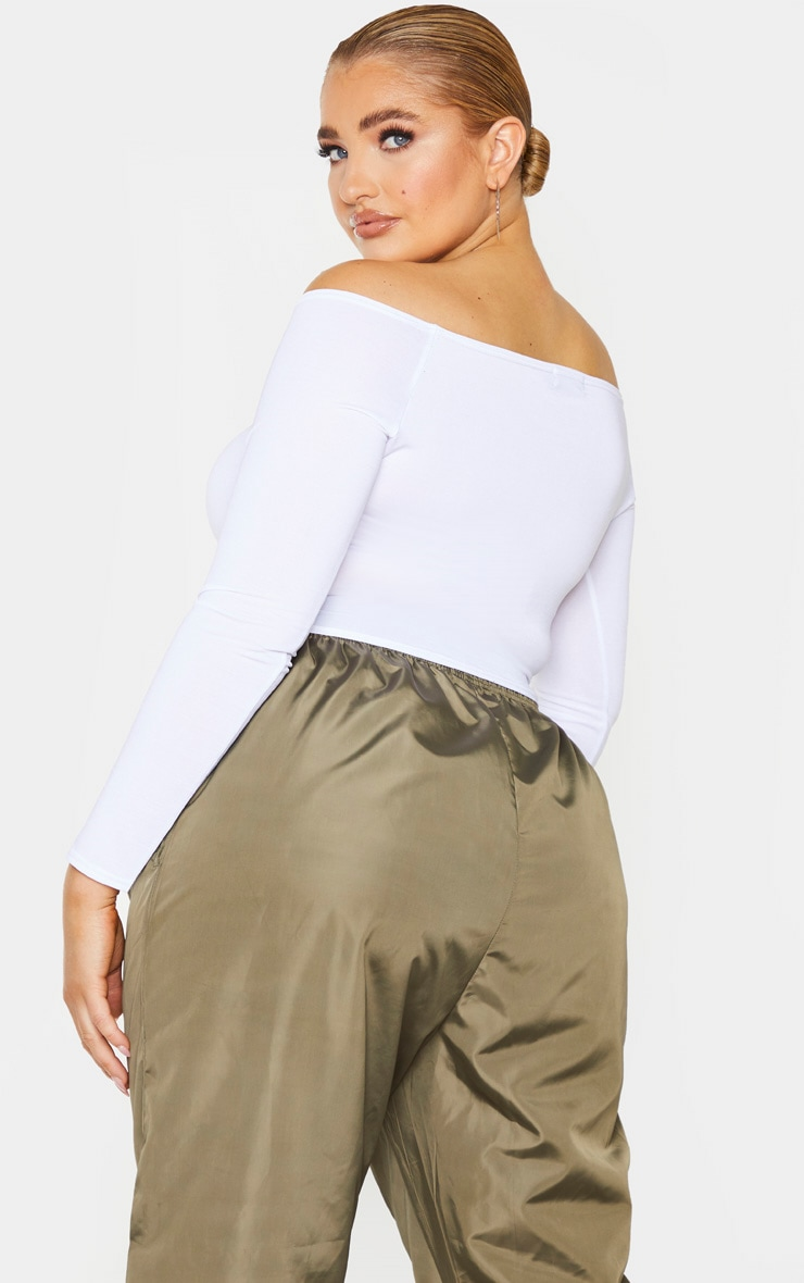 Plus White Slinky Ruched Front Long Sleeve Crop Top 2