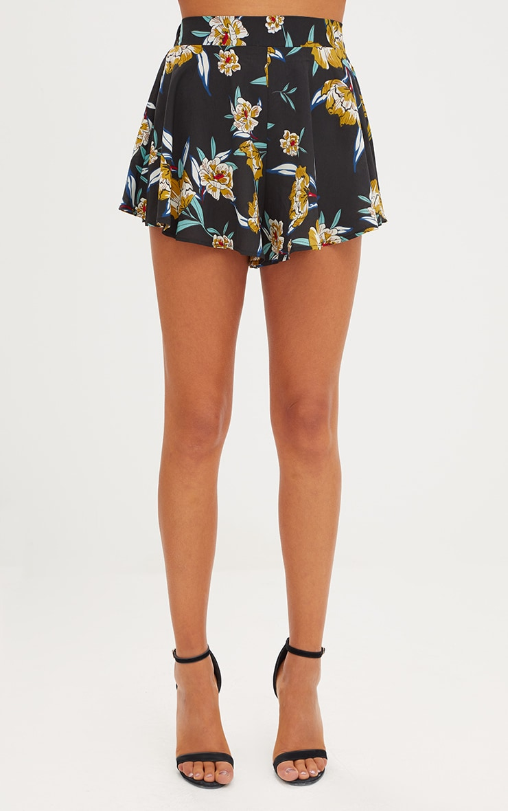 Black Floral Floaty Shorts 2