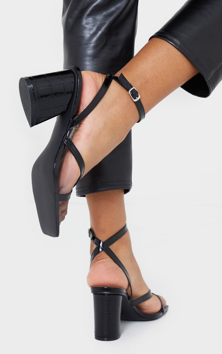 Black Tear Drop Block Heel Square Toe Cross Strappy Sandals 2