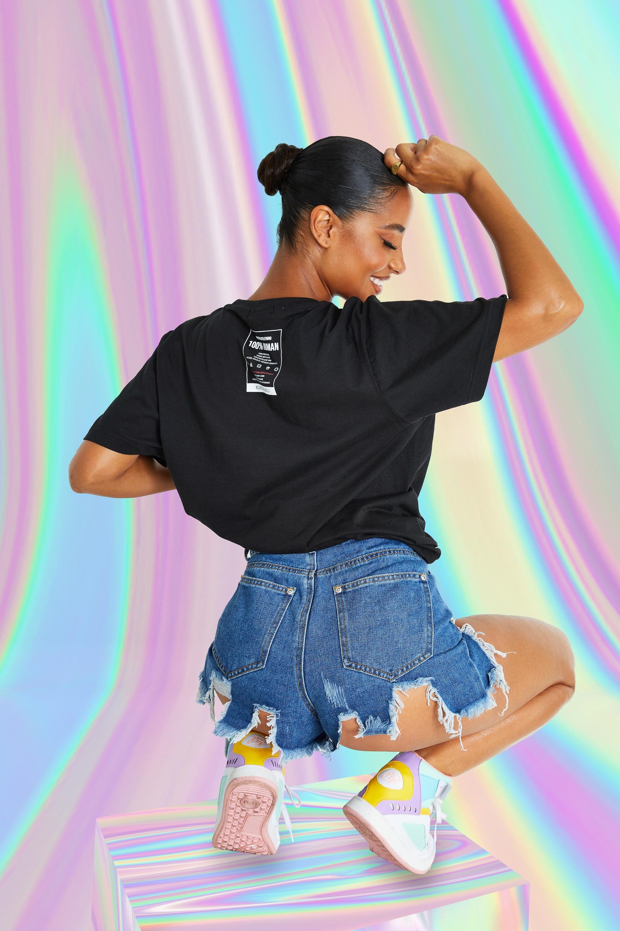 PRETTYLITTLETHING Black No Labels T-Shirt 4
