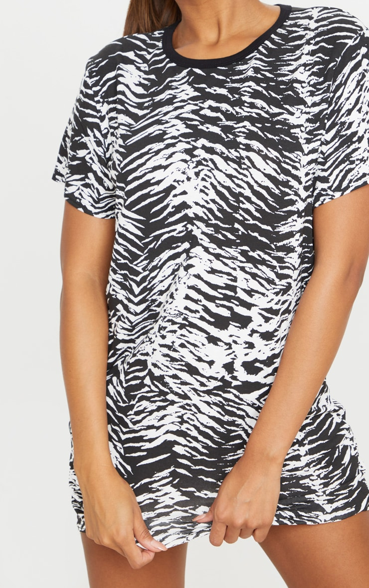 Black Zebra Print T Shirt Dress 4