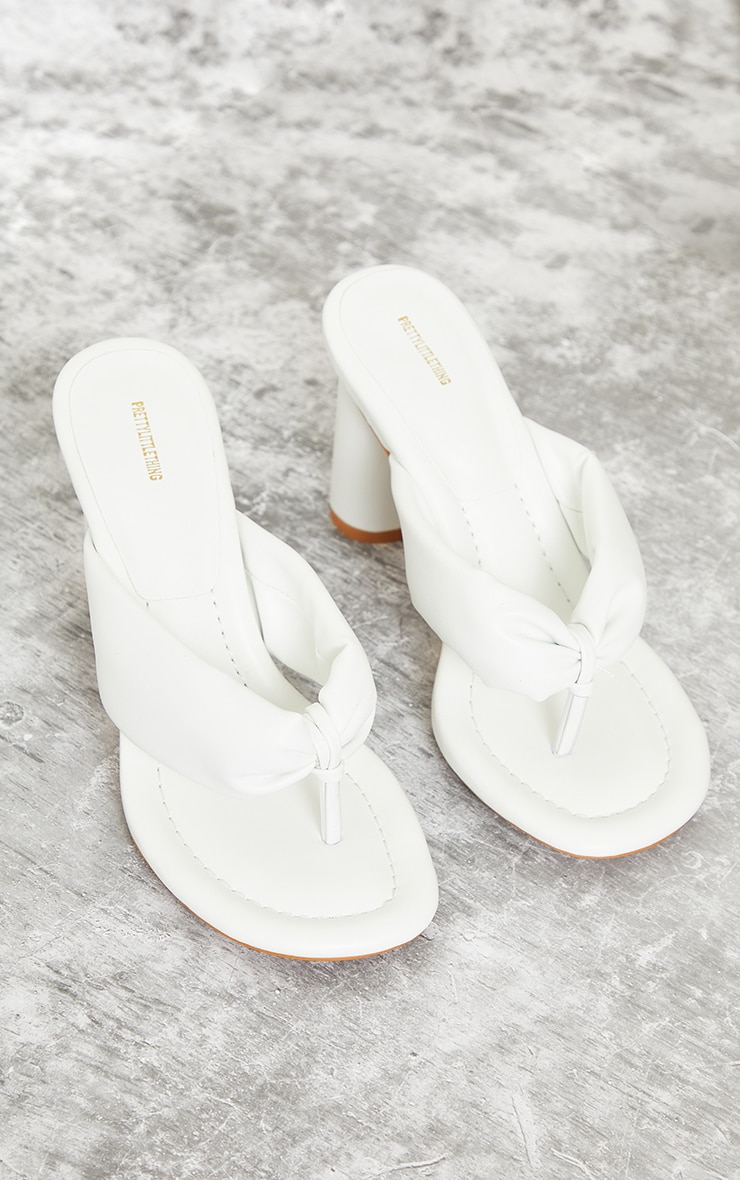 White PU Round Toe Quilted Toe Thong Cylinder Heeled Mules 3