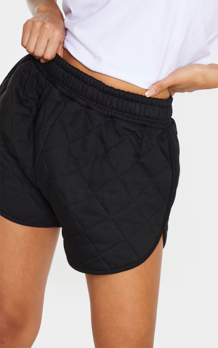 Black Quilted Runner Short 5