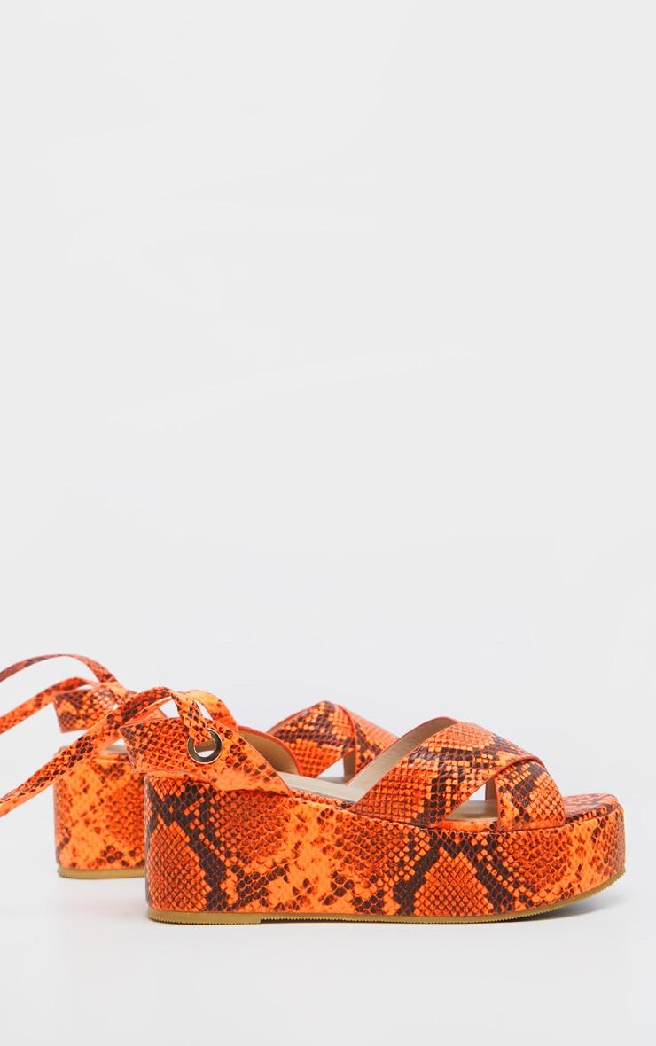 Sandales lacées imprimé serpent orange fluo à plateformes 5