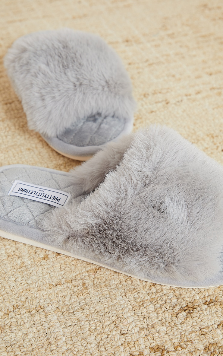 PRETTYLITTLETHING Home Grey Fluffy One Strap Quilted Sole Slippers 4