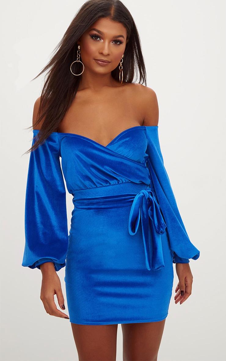 robe moulante bleu roi en velours manches bouffantes avec ceinture et encolure bardot robes. Black Bedroom Furniture Sets. Home Design Ideas