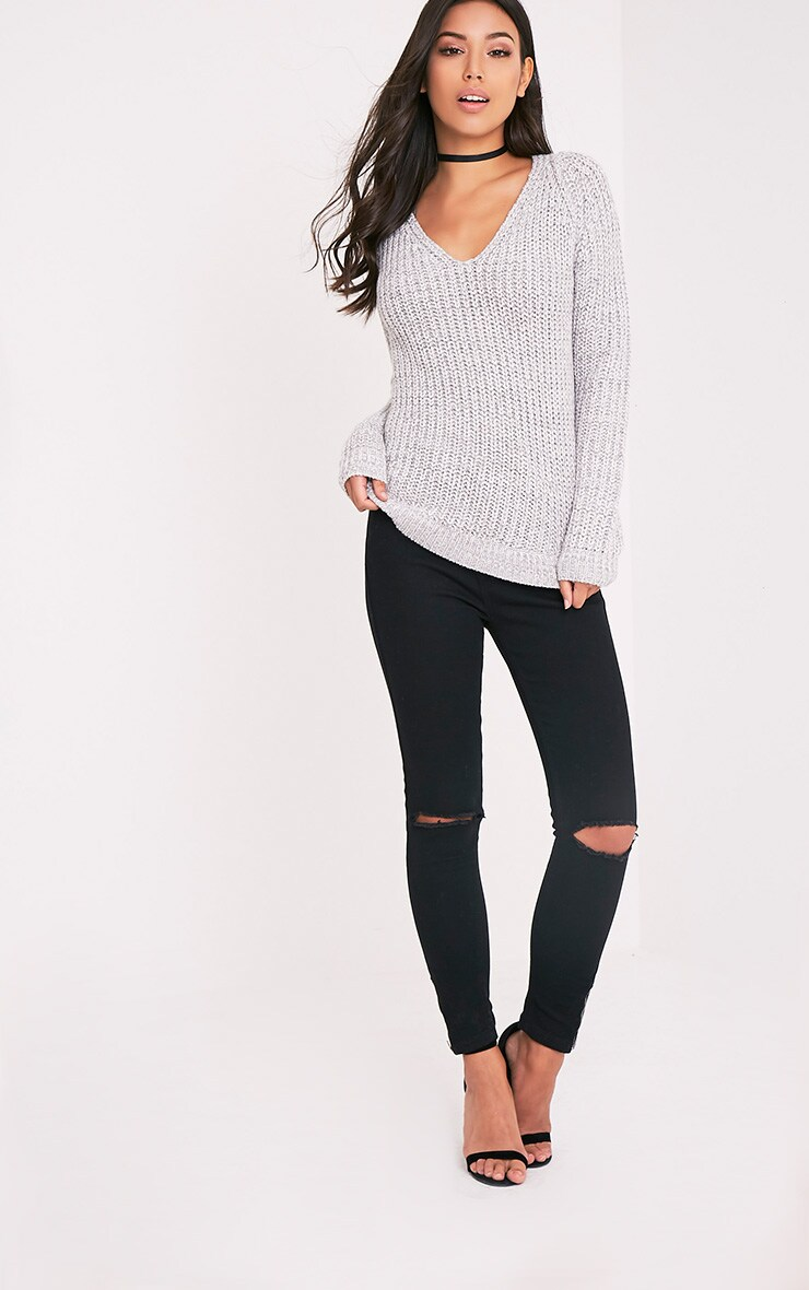 Elania pull en tricot torsadé à col en V gris 5